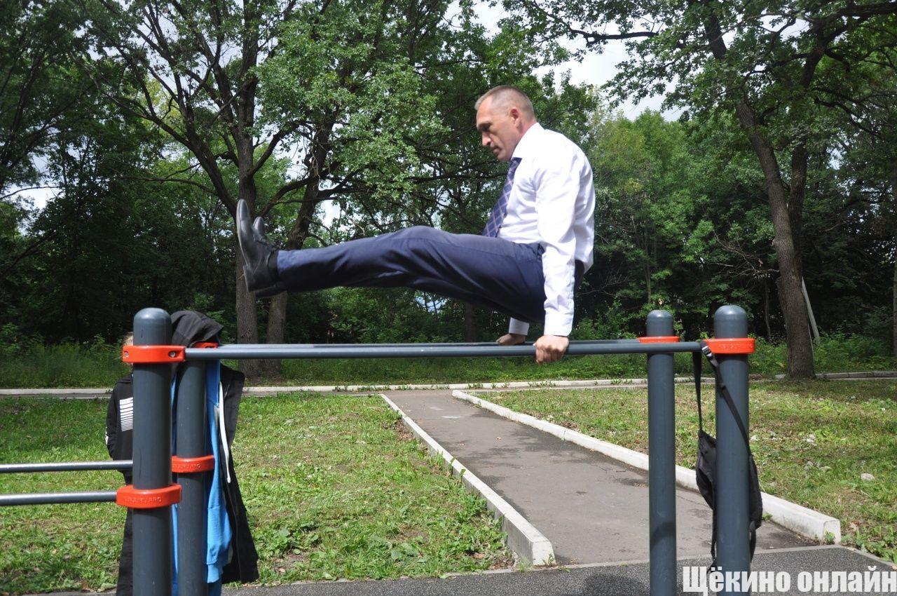 Николай Ивашков осмотрел спортивные объекты Щёкинского района.