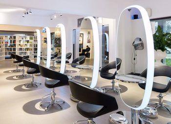 Мебель для салонов красоты: требования, критерии выбора и разновидности