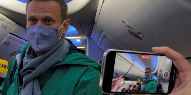Ряд стран призвал Кремль освободить Навального, пригрозив санкциями