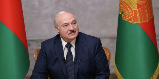 """Лукашенко объяснил, почему Белоруссии """"объявили войну"""""""