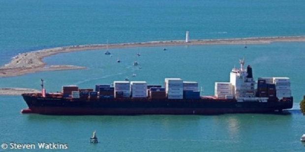 Пираты взяли в заложники экипаж турецкого судна MOZART, убив азербайджанца