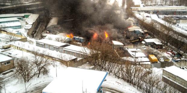Крупный пожар на северо-западе Москвы локализован