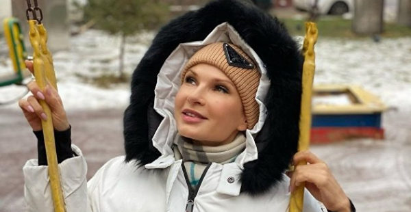 Ностальгирующую по Крыму Бледанс выругали за фотошоп