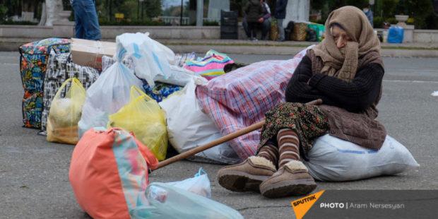 Число вернувшихся в Карабах беженцев превысило 50 тысяч человек - Минобороны РФ