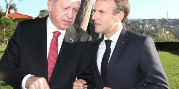 Макрон трогательно протянул руку дружбы Эрдогану
