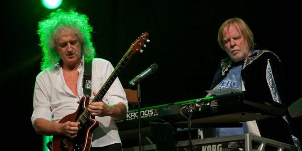 Гитарист группы Queen Брайан Мэй выпустил духи с запахом барсука