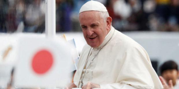 Папа Римский заявил, что сделает прививку от COVID-19 на следующей неделе