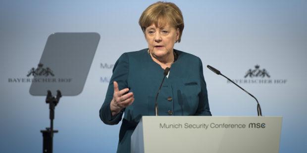 """Меркель поддержала Байдена и призвала к """"жесткой повестке"""" в отношении РФ"""