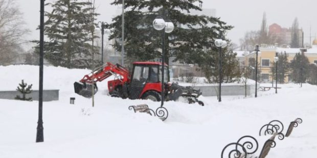 Как в регионах ЦФО справляются с рекордным снегопадом