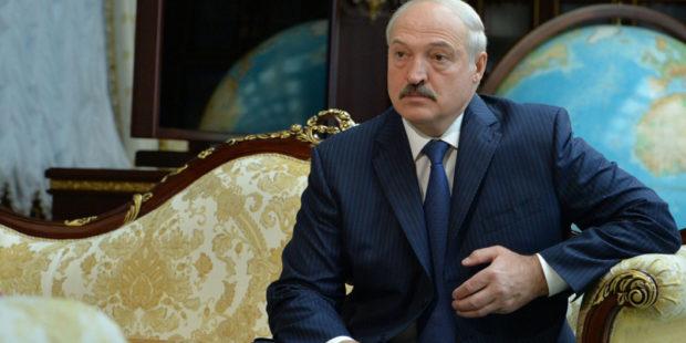 """Лукашенко анонсировал встречу с Путиным: """"Приеду аж 3 млрд долларов просить…"""""""