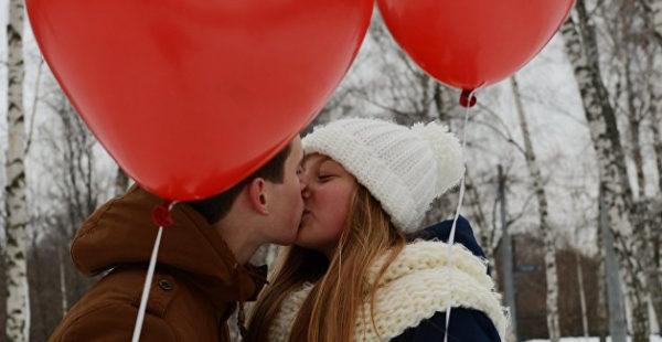 Одаривать на Валентина будет лишь половина украинцев — опрос