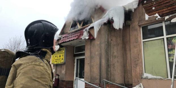 В павильоне рынка в Мурманске произошел пожар