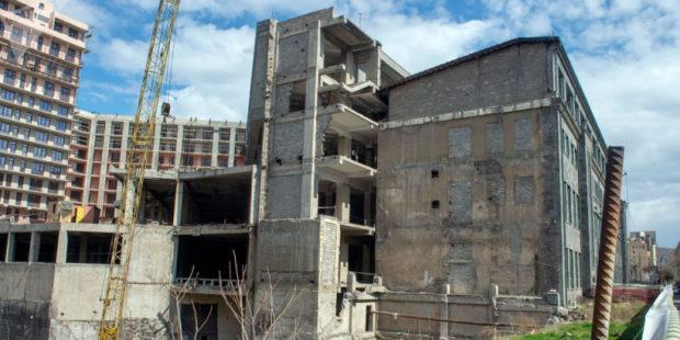 Директор строительной компании в Ереване обвиняется в мошенничестве