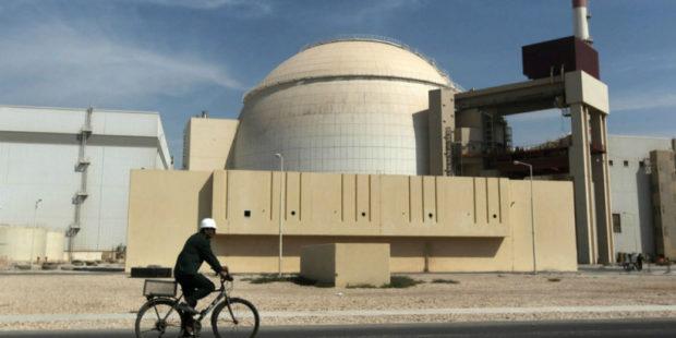 """""""Если кошку загнать в угол"""": министр разведки Ирана о возможности получить ядерное оружие"""