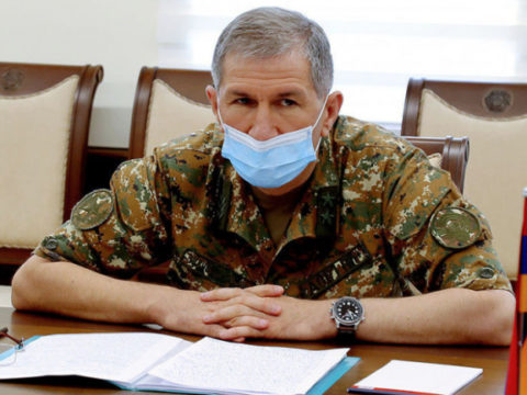 Начальник Генштаба ВС остается на своем посту: у президента Армении есть 3 дня