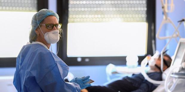 Сегодня суточное число заболевших коронавирусом снизилось и составило 105 человек в Ивановской области
