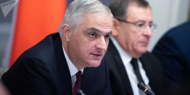 Вице-премьер Армении встретился с жителями Кашатага