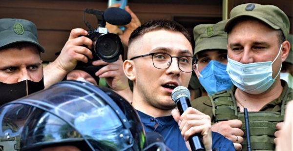 Суд отказался немедленно освобождать Стерненко из-под стражи