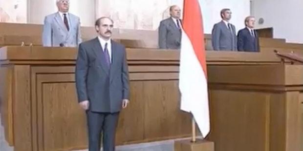 Лукашенко объяснил, почему выступает против красно-бело-красного флага, вспомнив уроки истории