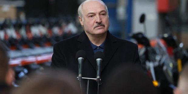 """Лукашенко порассуждал о """"настоящей диктатуре"""" в Белороуссии"""