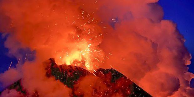 На Ключевской сопке завершилось извержение побочного прорыва