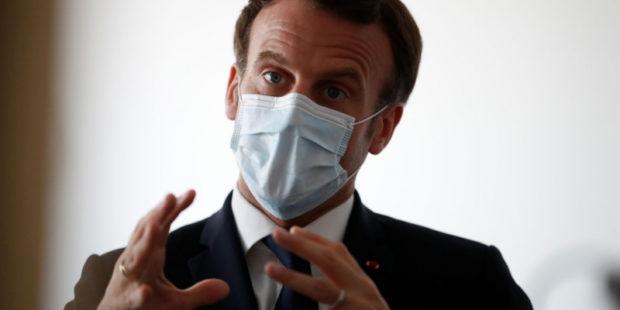 """Макрон заявил о """"мировой войне нового типа"""" из-за вакцин"""