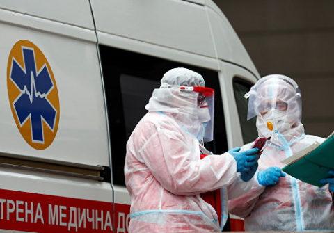 Почти 2 тысячи украинцев с COVID-19 попали в больницы за сутки
