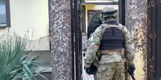 Суд арестовал лидера ячейки украинских неонацистов в Геленджике