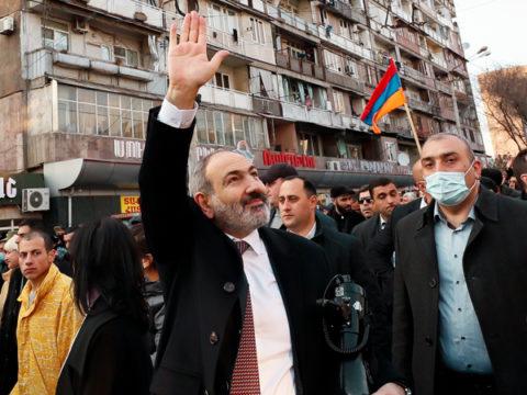 Сторонники Пашиняна не стали слушать оппозицию