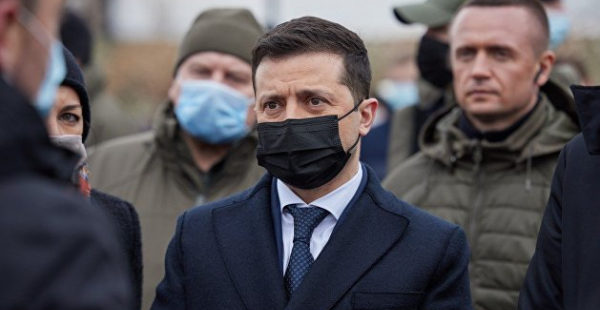 Зеленский объявил о начале очистки партии «Слуга народа» от «засланных казачков»