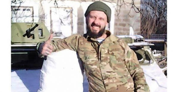 Автозак с подозреваемым в убийстве Шеремета пробился через толпу радикалов в Киеве