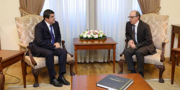 Глава МИД Армении обсудил с президентом Карабаха вопрос военнопленных