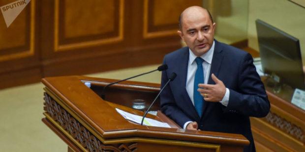 Марукян предложил Пашиняну подать в отставку 8 марта