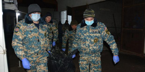 Поиски останков погибших в Карабахе вновь приостановлены из-за непогоды
