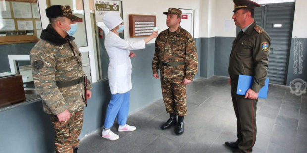 В Армении солдатам-срочникам запретили свидания с родными и отпуска: МО пояснило причину