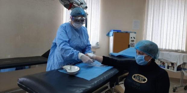 """В армянских областных больницах """"ковидников"""" лечат не хуже столичных - репортаж"""