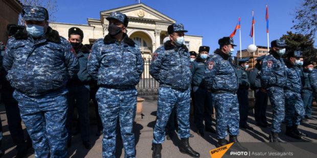 """""""Возможны провокации"""": полиция Армении предупредила оппозицию по поводу митинга"""