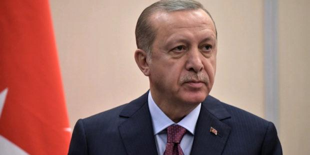 """СМИ: амбициозный Эрдоган продолжает продвигать свой """"безумный"""" проект по строительству канала """"Стамбул"""""""