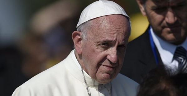 Папа Римский обеспокоен обострением ситуации в Донбассе
