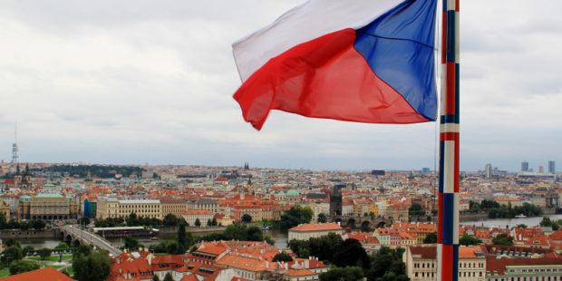 Сразу 18 российских дипломатов вышлют из Чехии