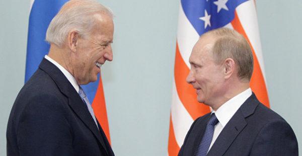 В разговоре с Путиным Байден выразил обеспокоенность усилением военной мощи России на границах — Белый дом