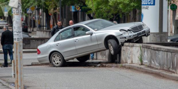 Два человека пострадали в ДТП в Котайкской области Армении