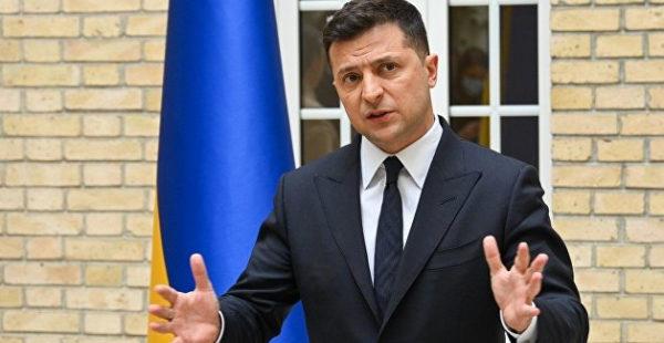 В начале мая Зеленский посетит с визитом Польшу