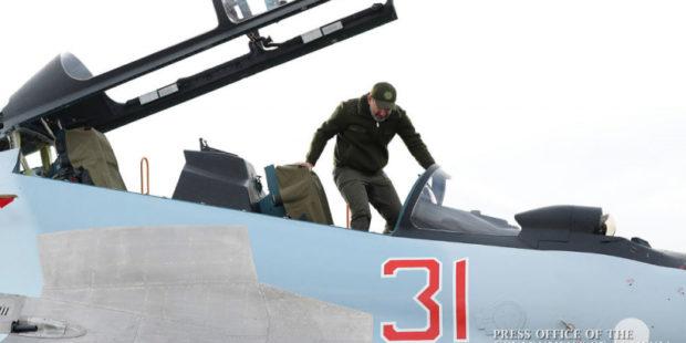 Если это не попытка угодить России: эксперт оценил заявления Пашиняна о закупке Су-30СМ