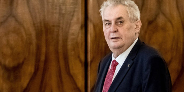 Земан готовит чрезвычайное обращение на фоне обвинений Чехии в адрес РФ