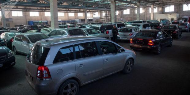 Хоть они виноваты, но помочь надо: экономист о жертвах автомобильного бума в Армении