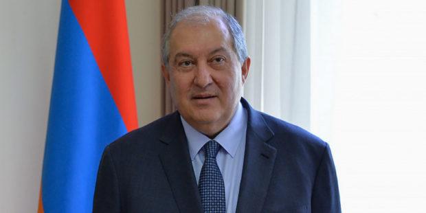 """""""Материнская любовь – самый дорогой подарок"""": президент поздравил женщин Армении"""