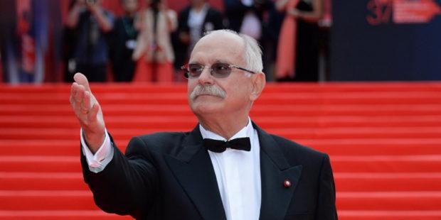 """Михалков назвал новые критерии выдвижения на """"Оскар"""" нравственным бешенством"""