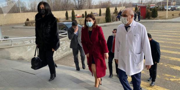 Mинистр здравоохранения Армении привьется вакциной AstraZeneca