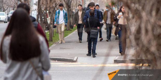 Спад числа безработных в Армении не отражает реального состояния рынка труда – эксперт